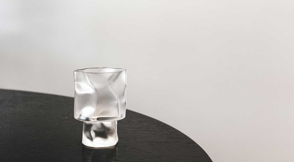 Crumpled glass 1960x1080