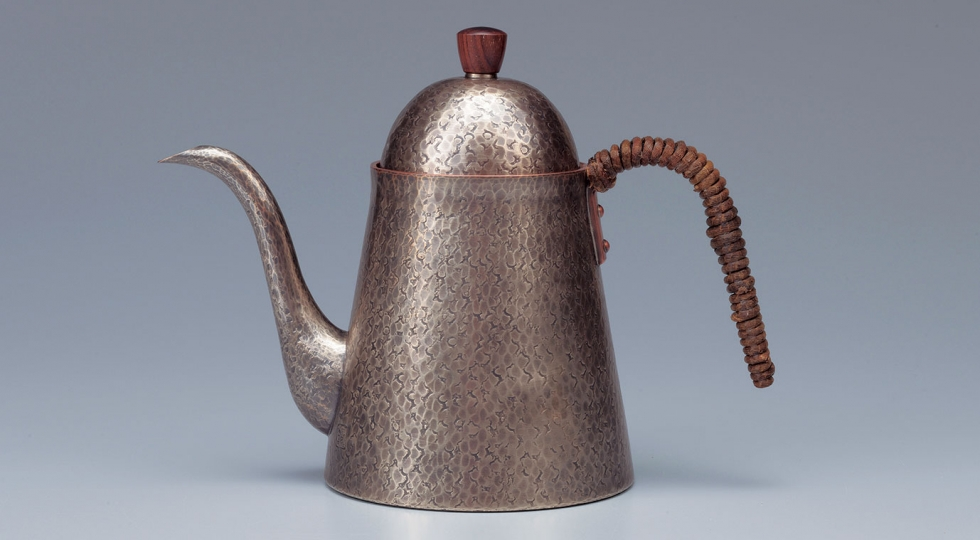 Tsuiki copperware coffee pot by Gyokusendō